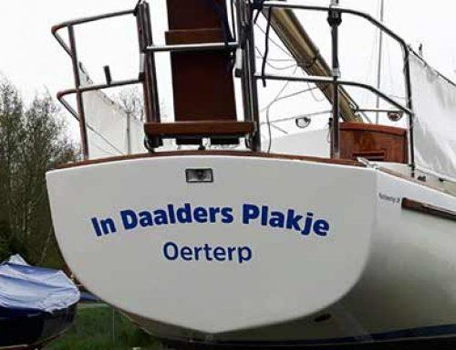 """Boot Belettering """"In Daalders Plakje Oerterp"""""""
