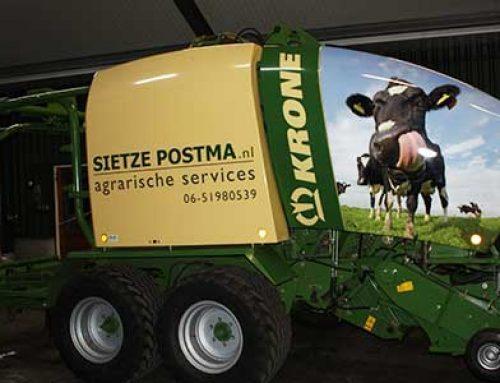 Balenpers en tractor reclame
