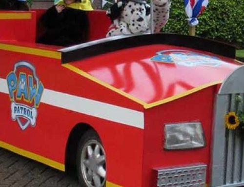 Sticker PAW Patrol versierde wagen Houtigehage