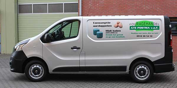 Fouragehandel Ate Postma Zijkant-bus
